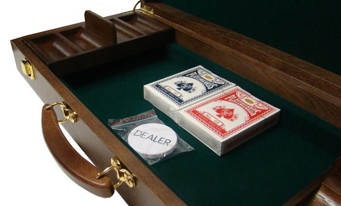 500 Ct Walnut Wooden Case