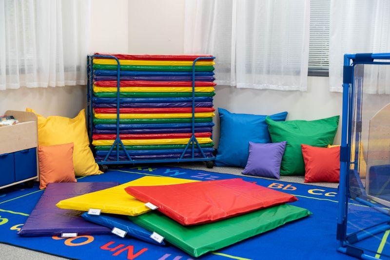 Cuddle-ups® 27″ Cozy Floor Pillow – Green
