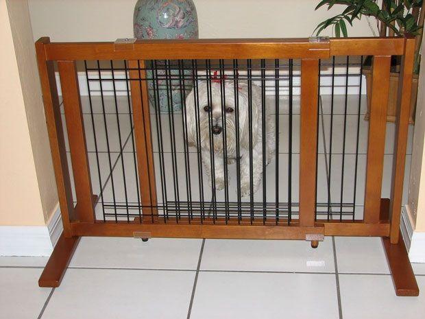 Crown Pet™ 21 Wood/Wire Pet Gate: Chestnut, Wide Span