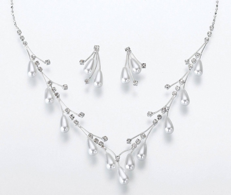 Pearl Drop Necklace & Earring Set