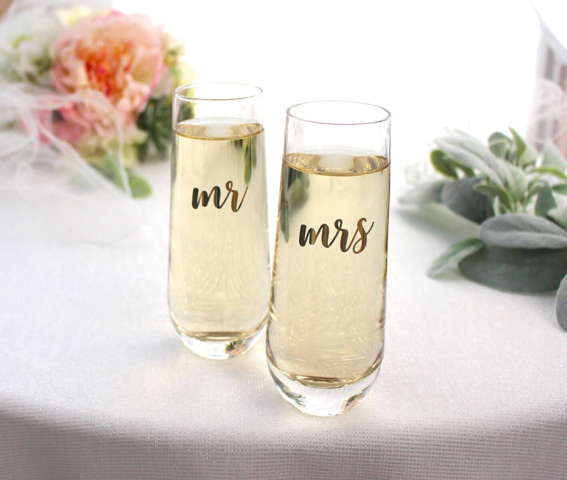 Mr & Mrs Champagne Glass Set