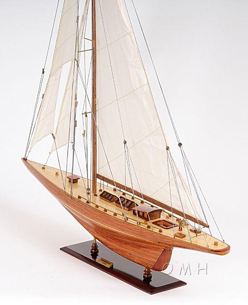 Shamrock Yacht l