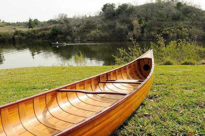 Wooden Canoe With Ribs 18