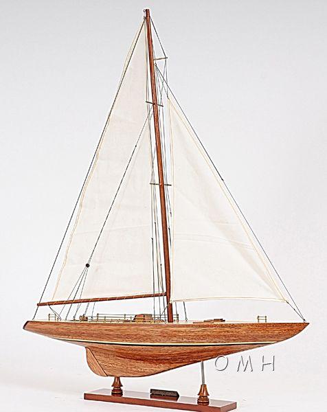 Columbia Yacht l