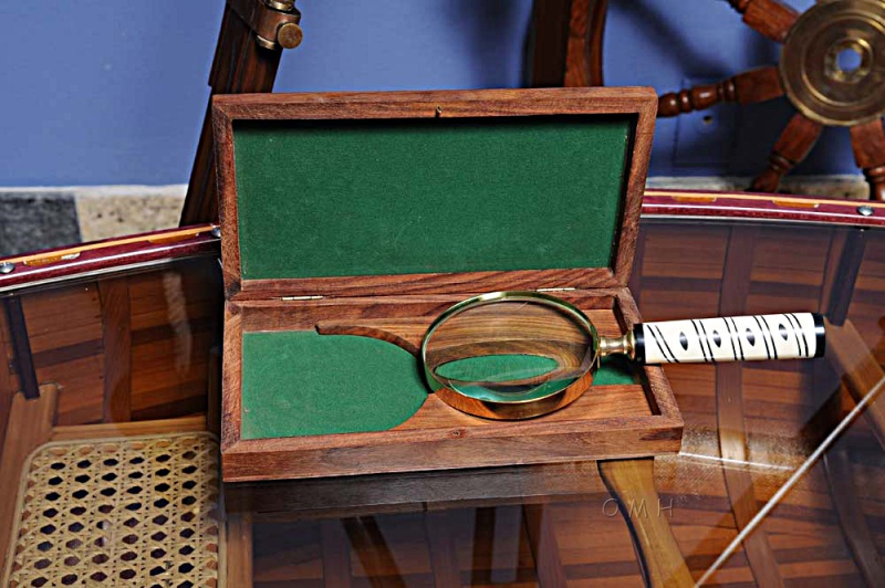 Magnifier In Wood Box- 4 Inches